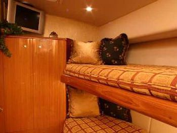 PRIORITY Yacht Charter - Crew Stateroom