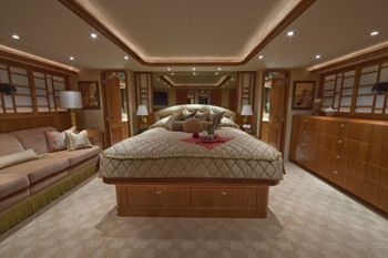 ALICIA Yacht Charter - Master Stateroom