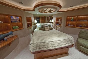 ALICIA Yacht Charter - VIP Stateroom