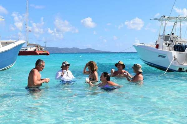 3 SISTERS Yacht Charter - Soggy Dollar