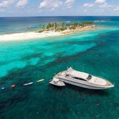 92' mangusta Yacht Charter - Ritzy Charters