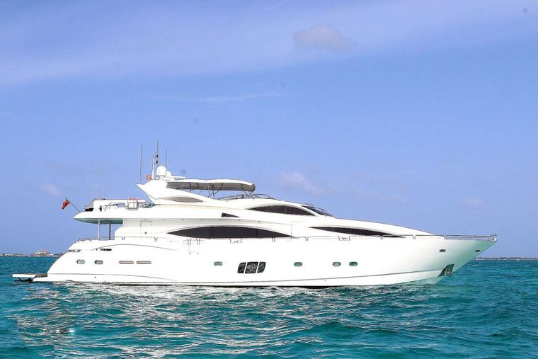 YCM 105 Yacht Charter - Ritzy Charters