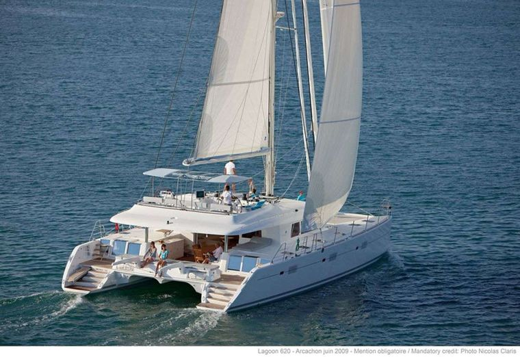 THE PURSUIT Yacht Charter - Ritzy Charters