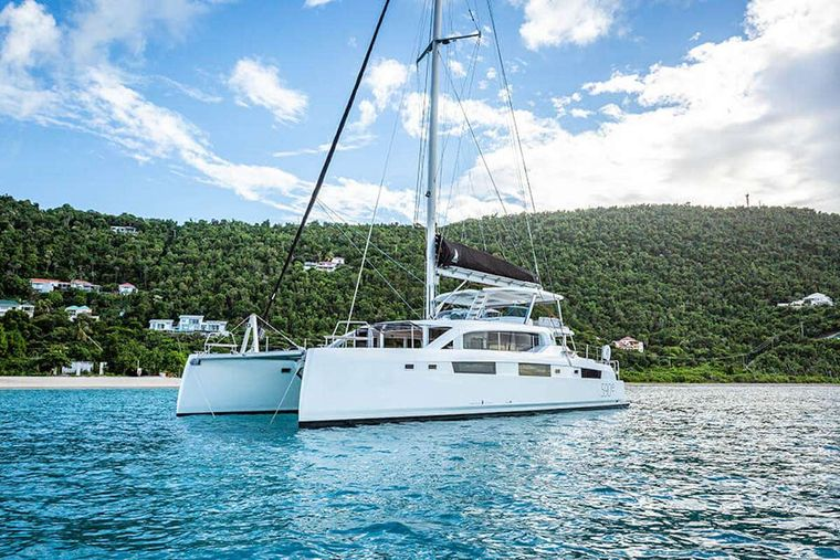 VOYAGE 590e Yacht Charter - Ritzy Charters