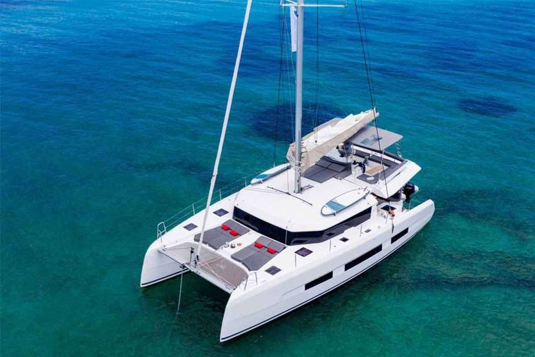 CHICCO Yacht Charter - Ritzy Charters