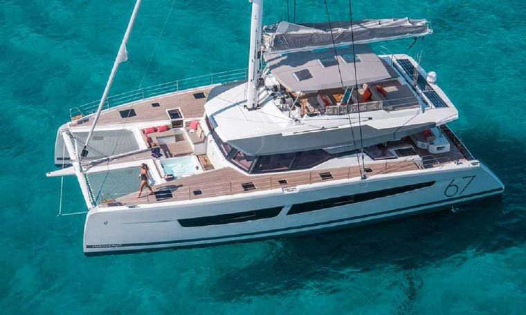 UNTETHERED Yacht Charter - Ritzy Charters