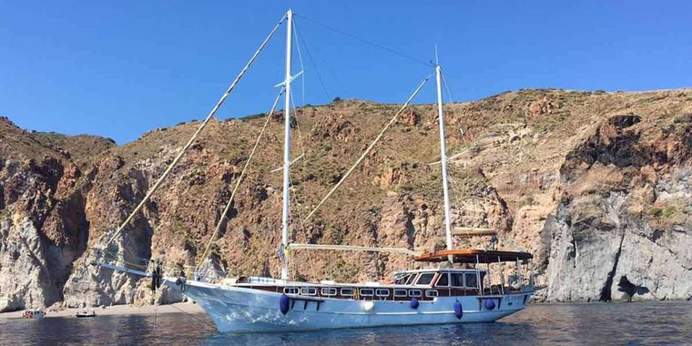 TUGCEM Yacht Charter - Ritzy Charters