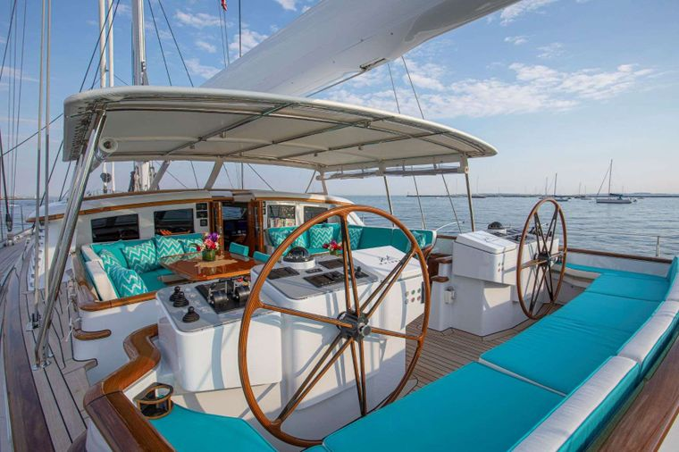 WHISPER Yacht Charter - Cockpit and helm station