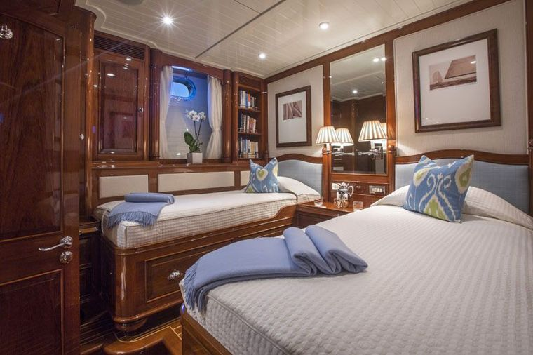 WHISPER Yacht Charter - Guest Twin Stateroom