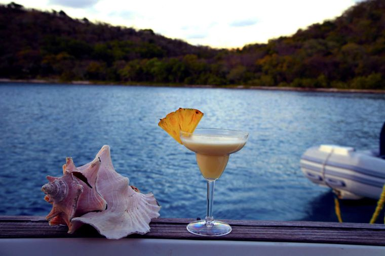 SAYANG Yacht Charter - Happy Hour!