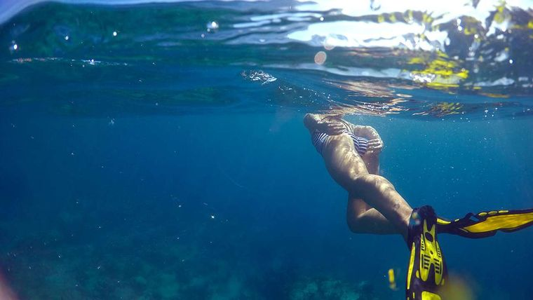 SAYANG Yacht Charter - Snorkeling in the anchorage