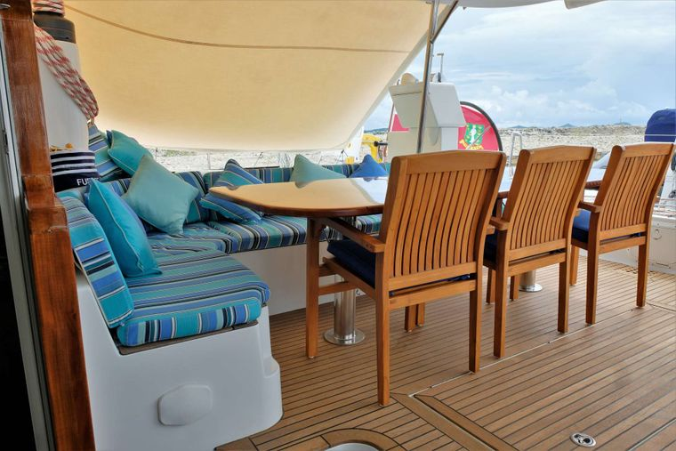 FUERTE 3 Yacht Charter - Aft deck and alfresco dining area