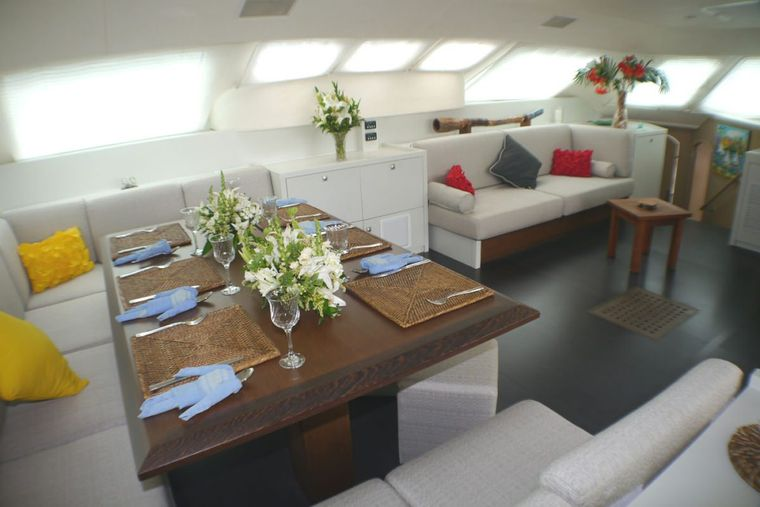 FUERTE 3 Yacht Charter - Deck seating and sunpads