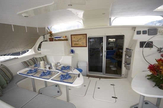 PELICAN Yacht Charter - Spacious cockpit dining area