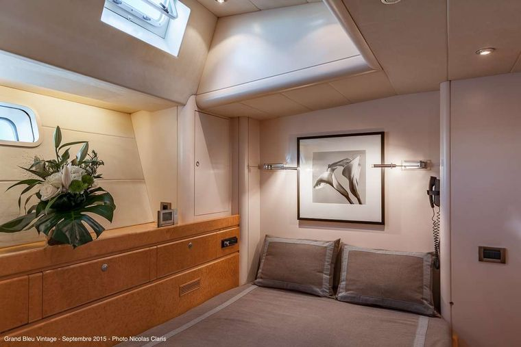 GRAND BLEU VINTAGE Yacht Charter - Guest after double cabin (portside)