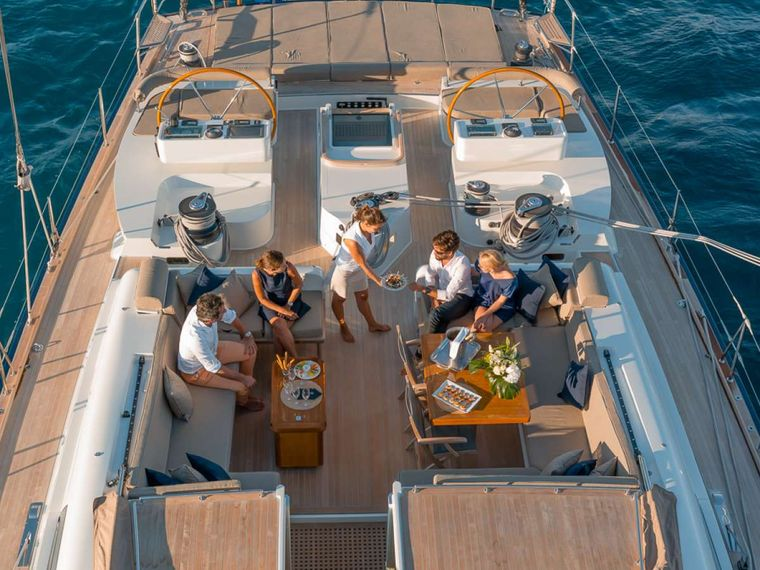 GRAND BLEU VINTAGE Yacht Charter - Cocktail time in the cockpit