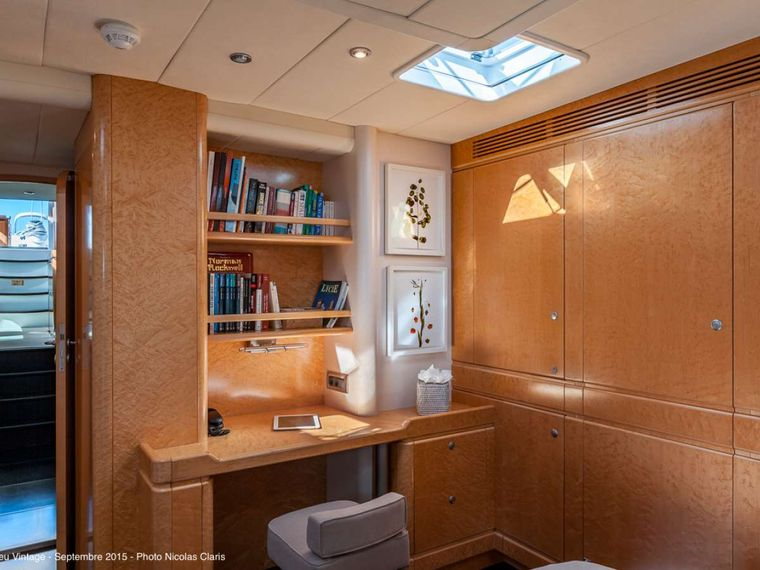 GRAND BLEU VINTAGE Yacht Charter - The master cabin with the desk