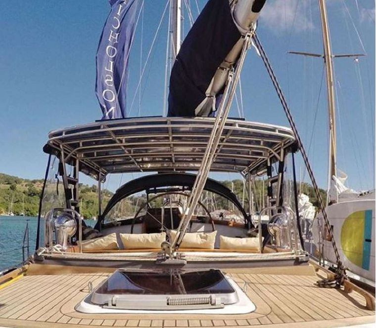 THE DOVE Yacht Charter - Tobago Cays