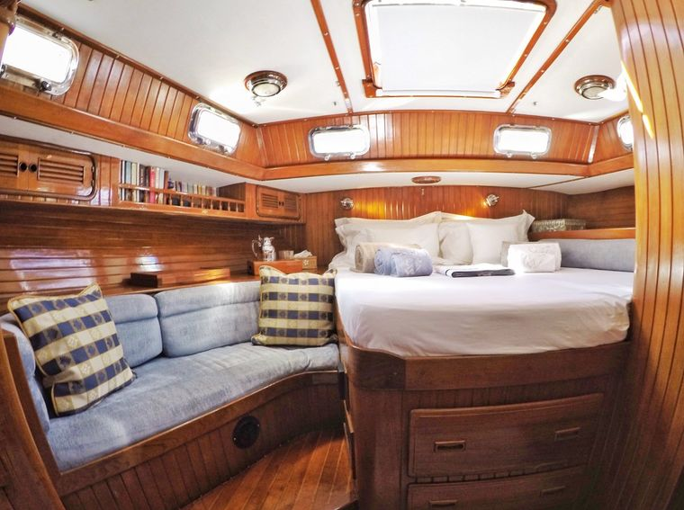 THE DOVE Yacht Charter - Master Cabin 1