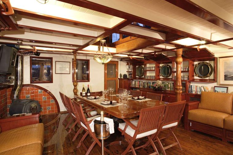 PACIFIC YELLOWFIN Yacht Charter - Dining for 8 in Main Salon