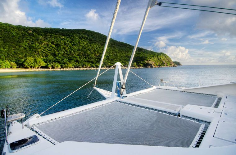 ZINGARA Yacht Charter - The bows and trampolines