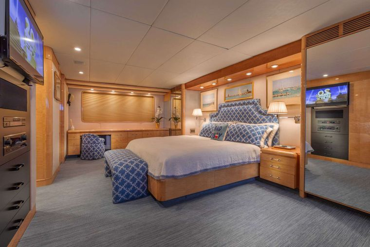 RENA Yacht Charter - Master Stateroom