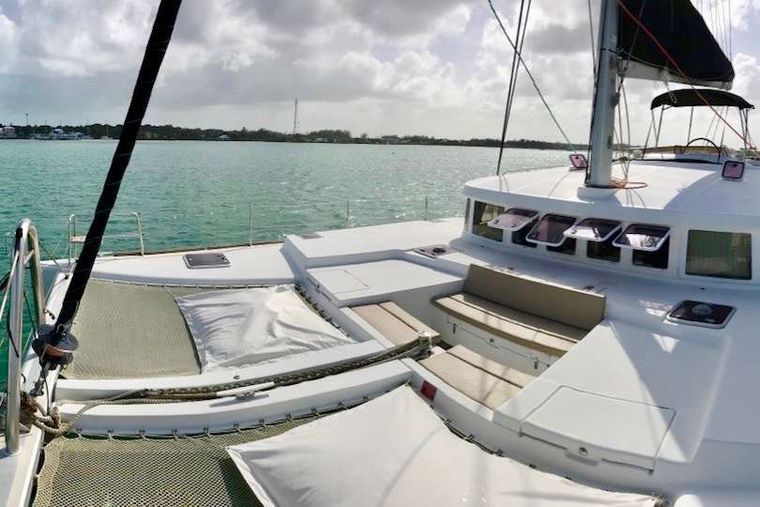 CATATONIC 500 Yacht Charter - Trampoline space abounds.