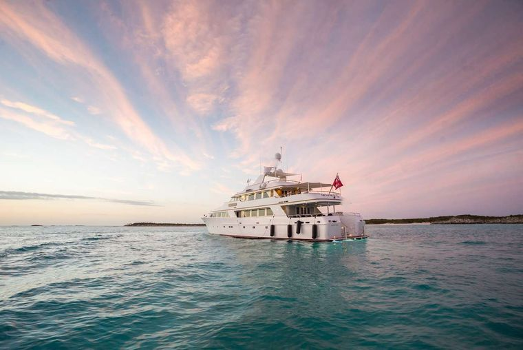 LADY J Yacht Charter - Aft View