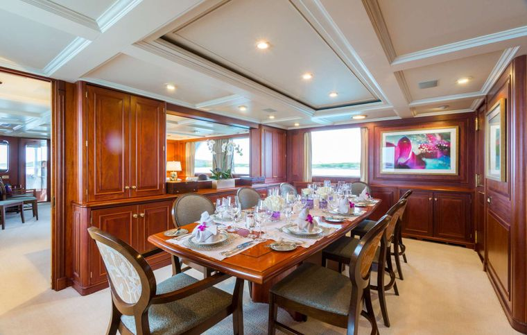 LADY J Yacht Charter - Formal Dining