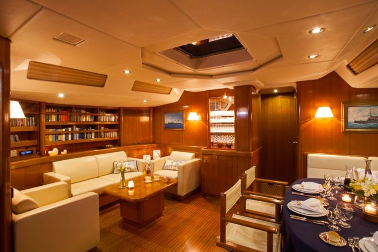 CALLISTO Yacht Charter - The saloon