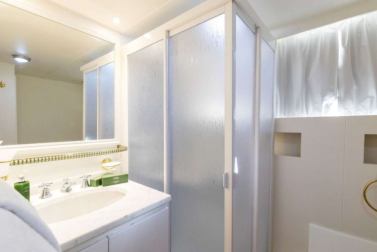 NAFISA Yacht Charter - Bathroom with shower