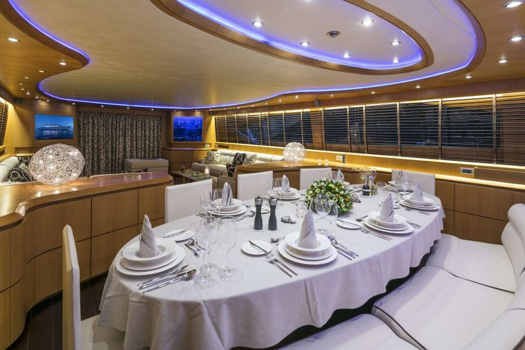 PARIS A Yacht Charter - Dining area