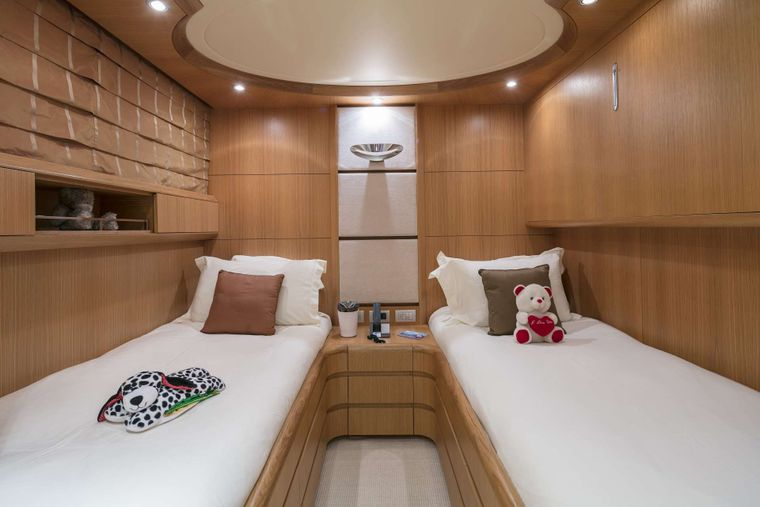 PARIS A Yacht Charter - Twin Stateroom
