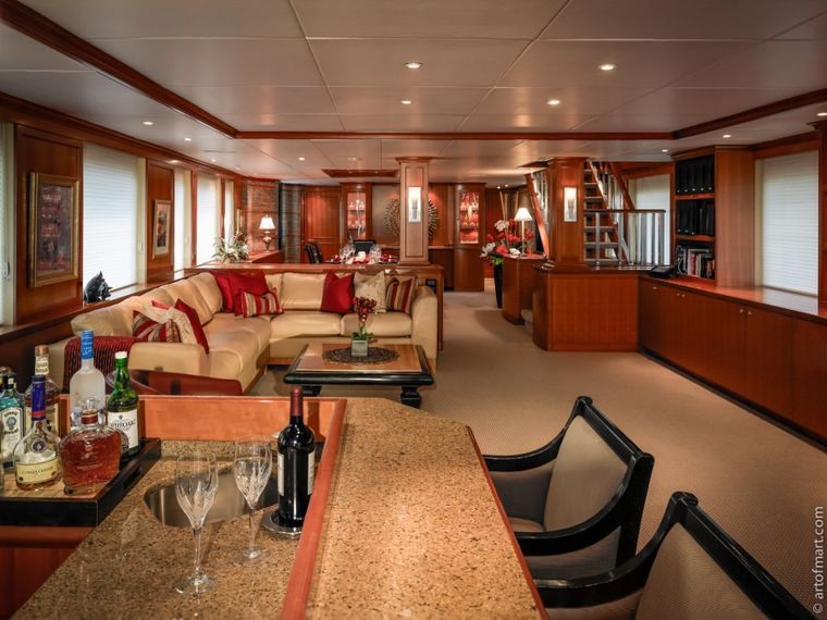 MURPHY'S LAW Yacht Charter - Main Salon