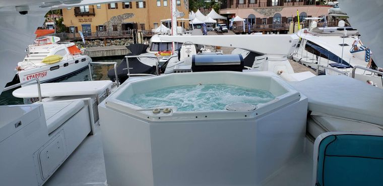 LADY SHARON GALE Yacht Charter - Jacuzzi area looking aft
