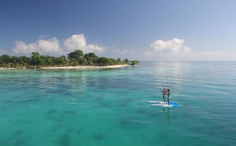 DREAMING ON Yacht Charter - Paddleboarding at Moho Caye