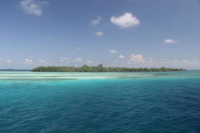 DREAMING ON Yacht Charter - Funk Caye