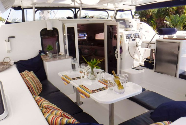 DREAMING ON Yacht Charter - Cockpit with water, ice maker & guest fridge for drinks