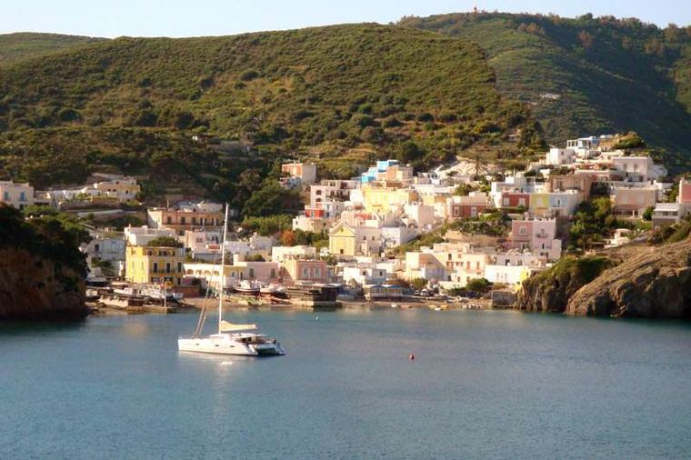 MOBY DICK Yacht Charter - Moby Dick at Ponza