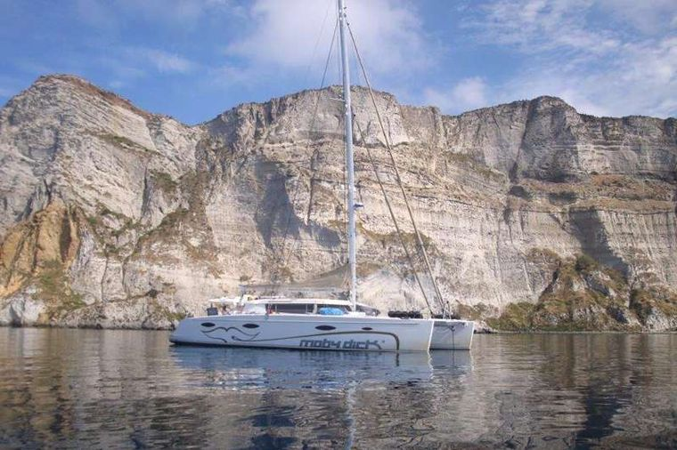 MOBY DICK Yacht Charter - Moby Dick at Palmorala Island