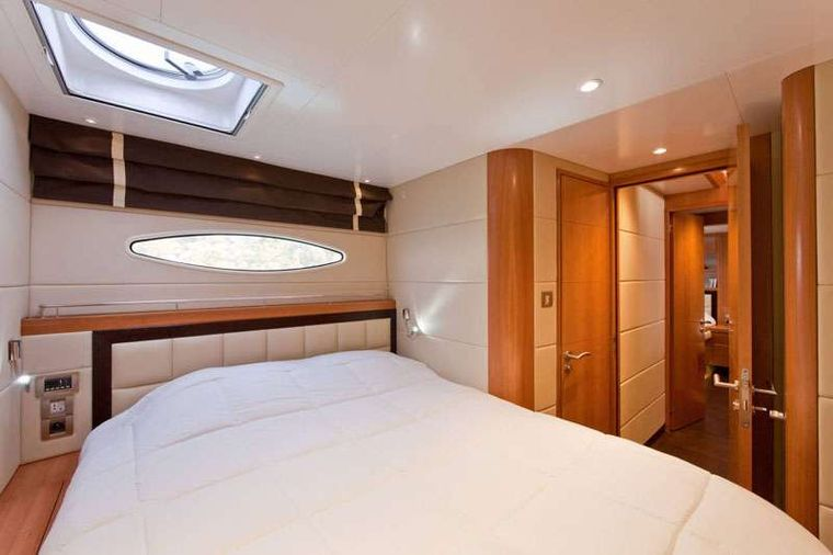 MOBY DICK Yacht Charter - Guest double cabin