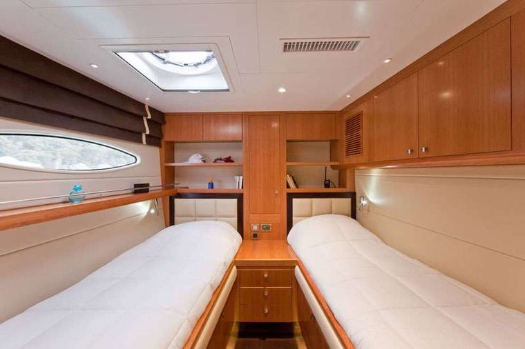 MOBY DICK Yacht Charter - Twin Guests cabin