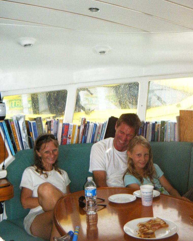 MIMBAW Yacht Charter - Mimbaw is a great place for families to reconnect.  Both Mimbaw crew love working with children.