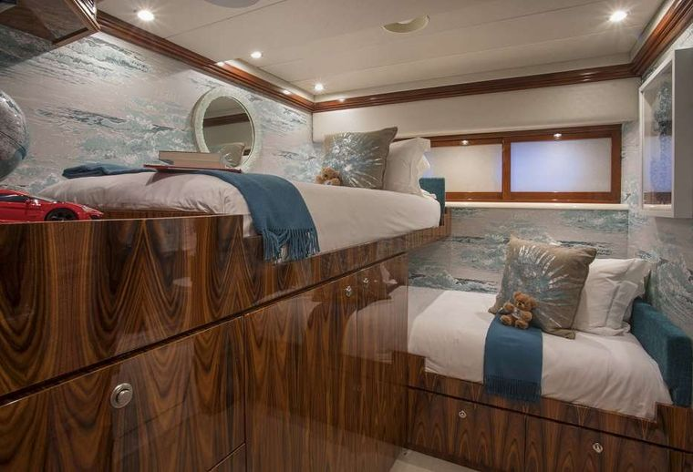 SWEET ESCAPE Yacht Charter - *New Addition* 6th Stateroom