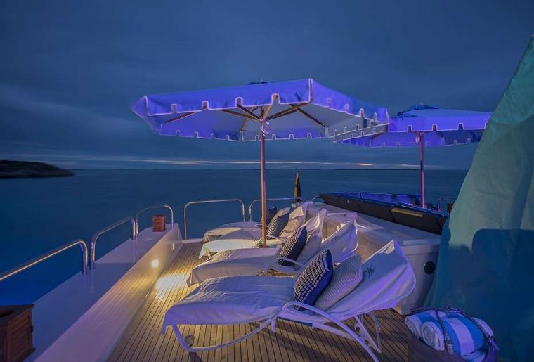 SWEET ESCAPE Yacht Charter - Bridge Deck Dining with sunshades