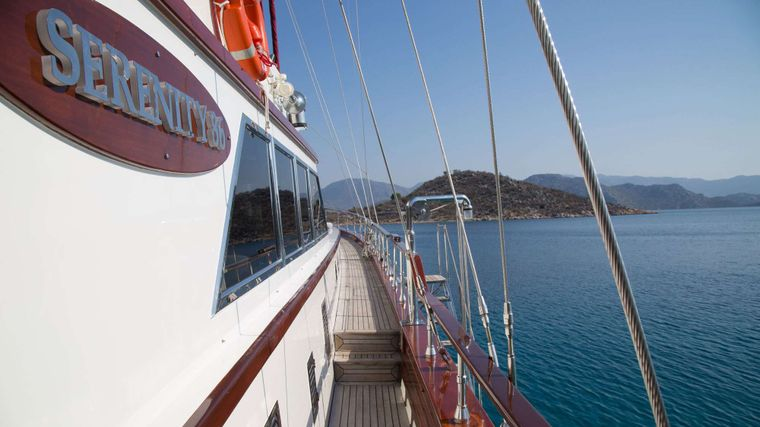 SERENITY 86 Yacht Charter - Side Deck