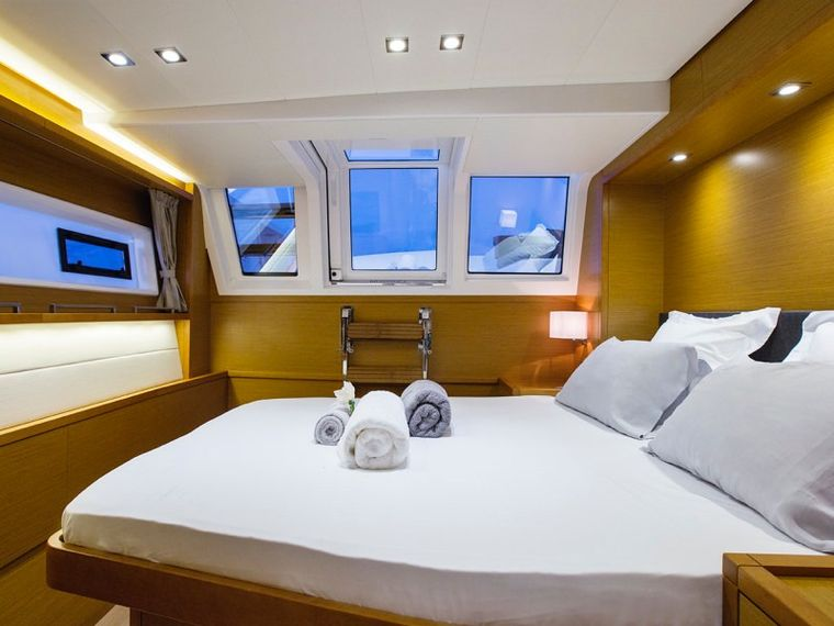 SAIL AWAY Yacht Charter - Guest aft double cabin (startboard)