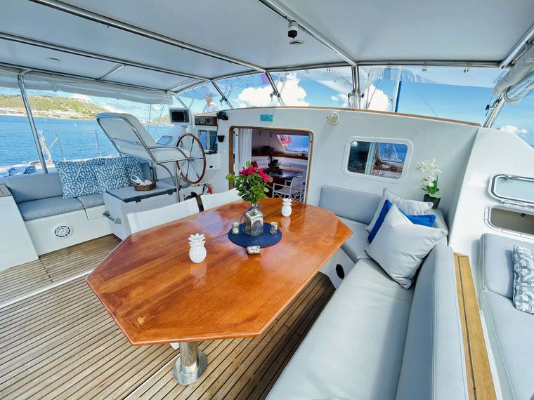VISION Yacht Charter - Aft Deck Dining Area