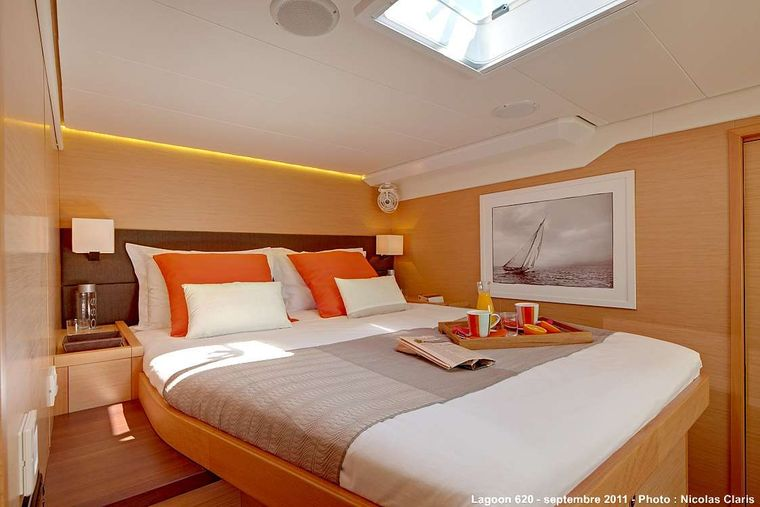FIREFLY Yacht Charter - Guest double cabin 1