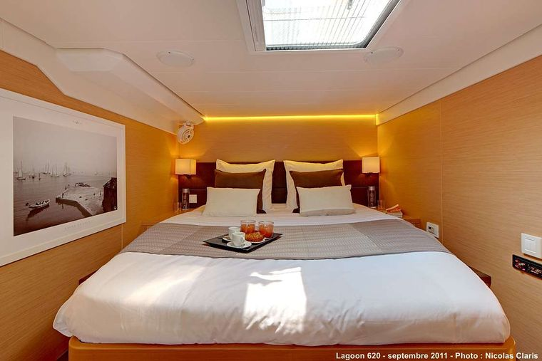 FIREFLY Yacht Charter - Guest double cabin 2